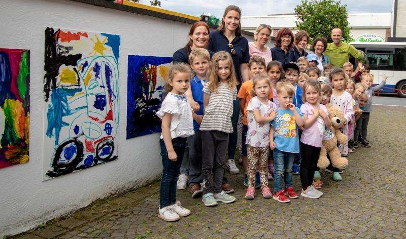 Kinder Konnen Kunst In Der Outdoorgalerie Der Galerie Schurmann Lokalklick Eu