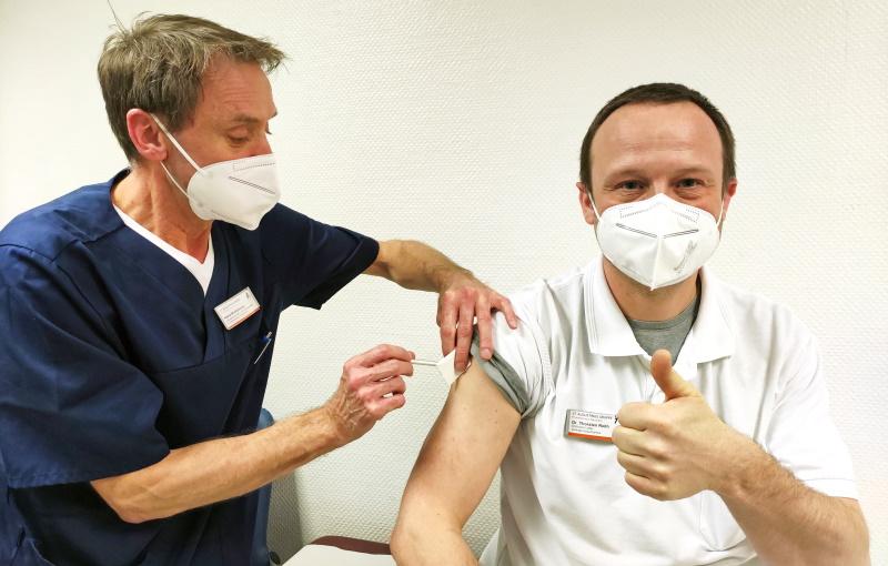 Impfungen-starten-im-Krankenhaus-Neuwerk-und-im-Eli